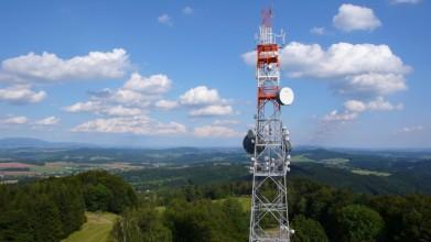 Pohled z vrchu Tábor v Českém ráji a jeho kamenné rozhledny