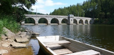 Hráz přehrady Sedlice z r. 1927