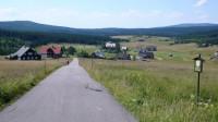Pohled na Jizerku, od silnice z Bukovce