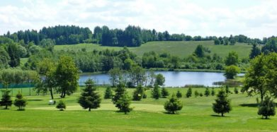 Ideální případ, Čertovo Břemeno. Skvělé souznění golfu a krajiny.