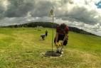 Jak spojit fotbal, nejpopulárnější sport na planetě, a golf? Nový sport fotbalgolf se hraje i v Dymníku u Rumburka (foto převzato ze stránek místního hřiště).