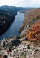 Z Kletecka, dole jezero Štechovické přehrady