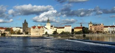 Pražské nábřeží z Kampy