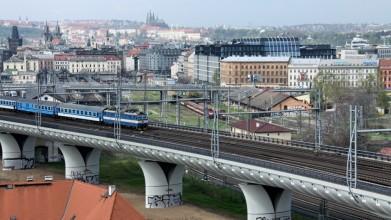 Nové spojení, vlaky míří do dvou tunelů pod Vítkovem