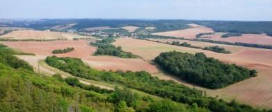 Oblast Džbán severozápadně od Prahy