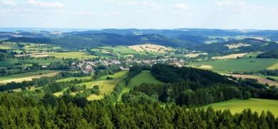 Z rozhledny Horní Lesnad přehradou Vír, pohled na Rovečné