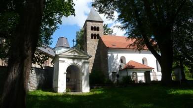 Kostel v Neustupově