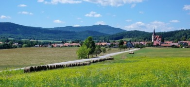 Chvalšiny, obec na pomezí Blanského lesa a Šumavy