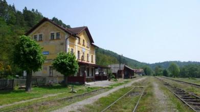 Kácovské nádraží