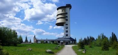 Rozhledna na šumavském Poledníku (1 315 m)