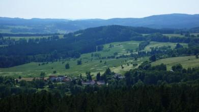 Louky, kde stávalo hřiště Lipno