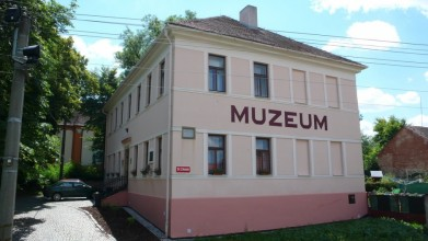Kožlany, někdejší škola, kam E. Beneš chodil