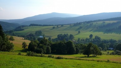 Nad Horními Albeřicemi - pohled na masiv Černé hory