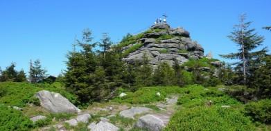 Vrchol Jizery 1122 metrů, druhá nejvyšší hora Jizerských hor