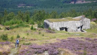 Zkušební pevnost ve vojenském prostoru Brdy z roku 1935, plocha Jordán. Točila se tu Obecná škola.