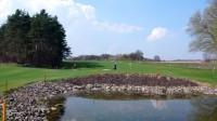 Za grýnem jedničky je rybník k dvojce