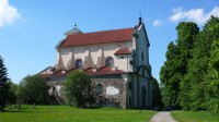 Mohutný kostel v Klášteru