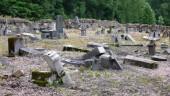 Hřbitov v Pivoni
