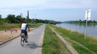 Cyklostezka podél Vltavy v Modřanech