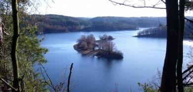 Jezero přehrady Dalešice na Moravě