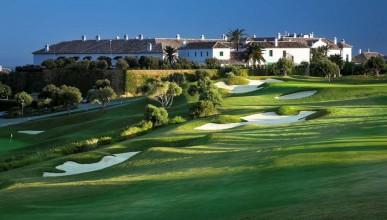 Jedno ze španělských hřišť u hotelu Finca Cortesian, mezi Gibraltarem a Malagou