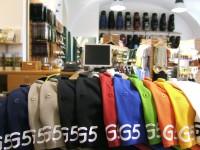 V golfových obchodech lze utratit hodně peněz, ale vybavení nestojí horentní sumy. Golf není dražší než lyžování.