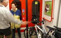 V metru se kolo může přepravovat na koncových částech soupravy.