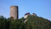 Žebráku dominuje jen věž